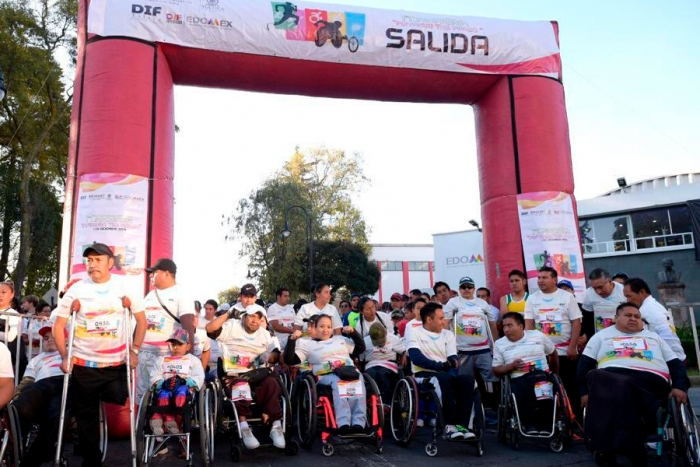 Más de 1,500 mexiquenses en carrera recreativa por la discapacidad
